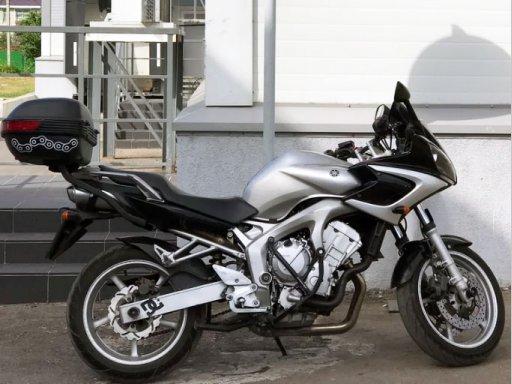 Фото Yamaha FZ6 2004 года