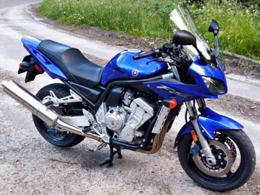 Фото Yamaha FZ1 2003 года