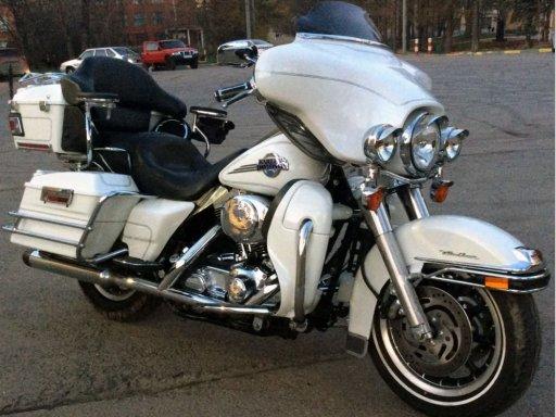 Фото Harley-Davidson Electra Glide 2005 года